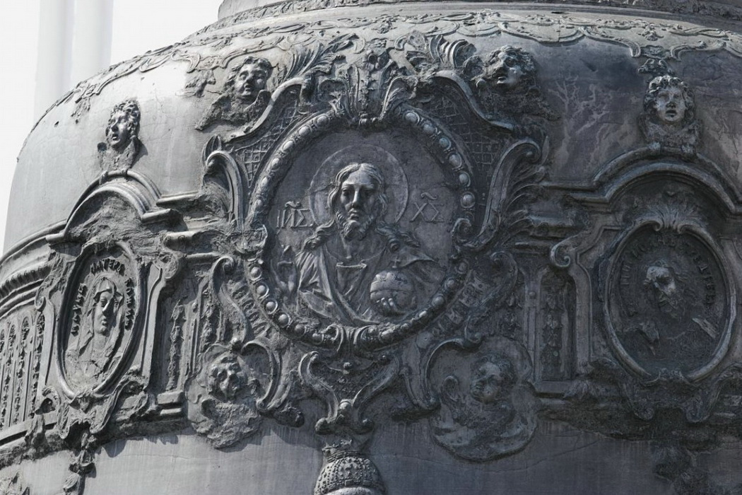 Relief decor of the Tsar Bell